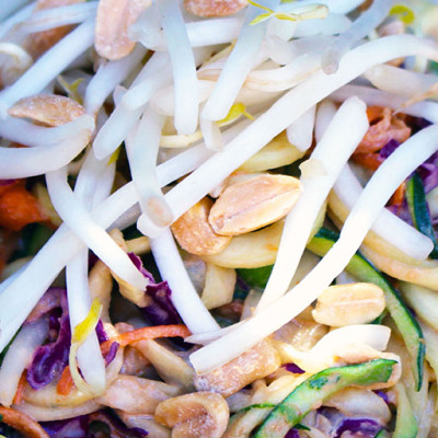 Vegetable Thai Salad with Peanut Dressing